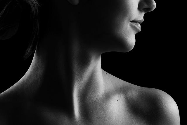 Detail na krk